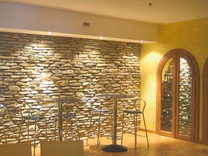 Mobili lavelli rivestimenti in finta pietra per interni for Listino prezzi pannelli finta pietra